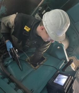 On-site inspection of the gearbox with endoscopy